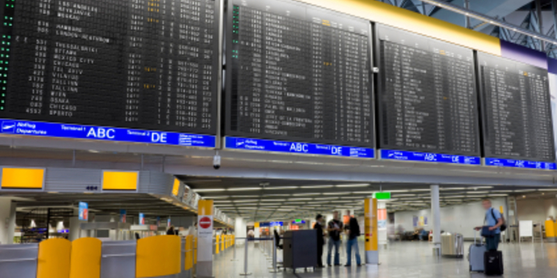 Flughafen - Foto: iStockphoto.com / Grafissimo