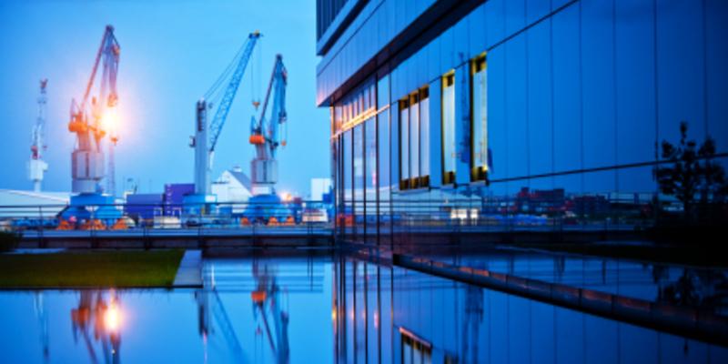 Hafen - Foto: iStockphoto.com / Nikada