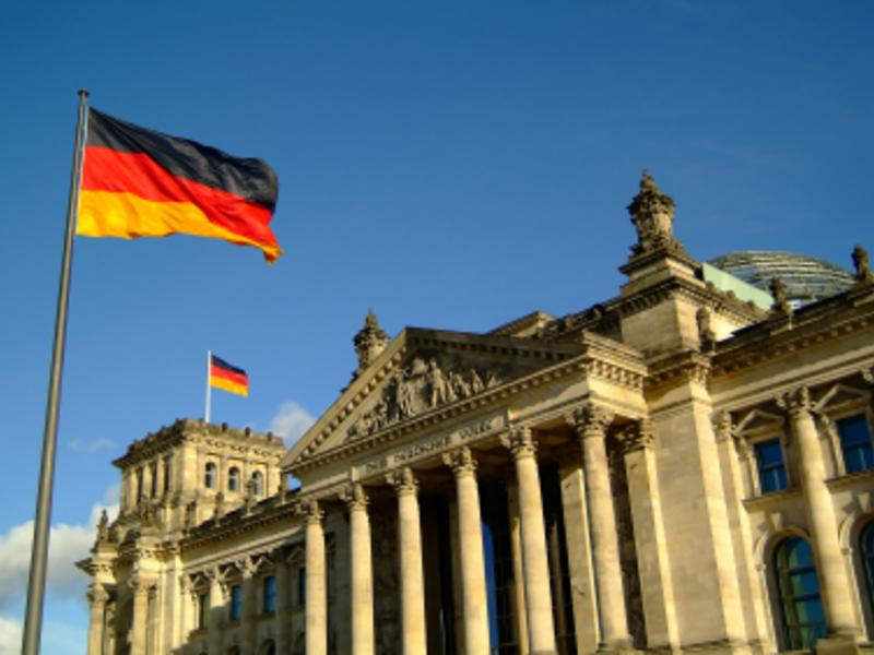 Reichstag - Foto: iStockphoto.com / muffinmaker