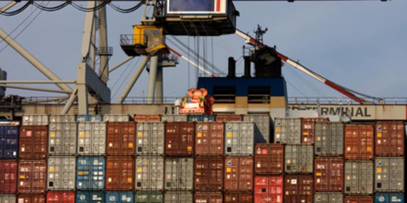 Frachtcontainer - Foto: Fotolia.com / Sven Hoppe